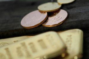 Szín aranyérmék és befektetési aranytömbök