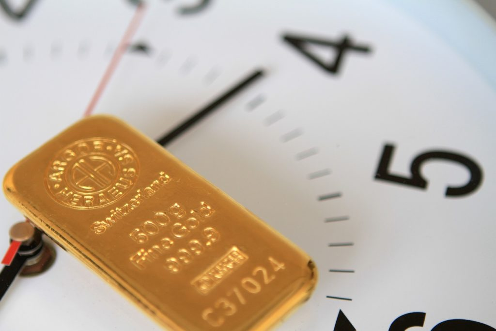 Aranytömb és idő